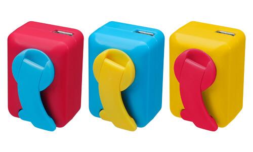 どこでもスマホを充電できる!カラフルな手回し充電器が新発売
